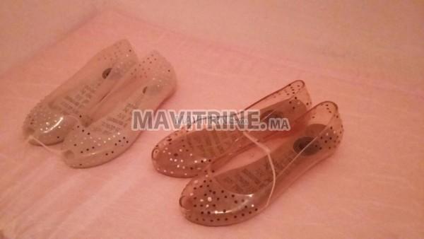 Chaussures en plastique importés
