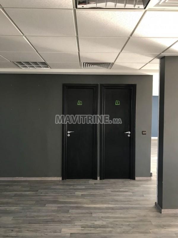 Bureau de 187 m² à Abdelmoumane.