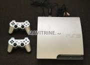 Photo de l'annonce: PlayStation 3 avec 2 manettes