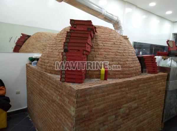 Four à pizza au bois professionnel