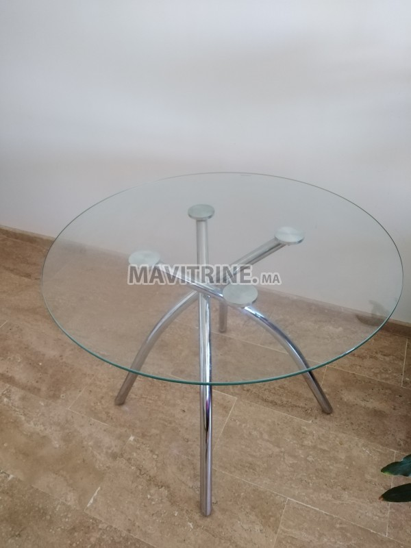 Table ronde en verre