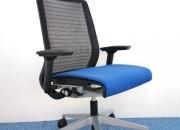 Photo de l'annonce: Chaise de bureau steelcase thinks bleu dossier résille noir