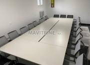Photo de l'annonce: Table de réunion rectangulaire + 20 personnes