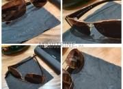 Photo de l'annonce: lunettes de soleil neuf PRADA et YVESAINTLAURENT
