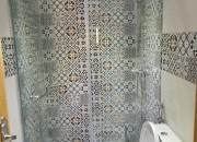 Photo de l'annonce: حمامات بالزجاج