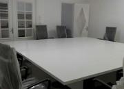 Photo de l'annonce: Table de réunion