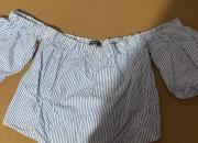 Photo de l'annonce: Top avec manches bouffantes Bershka (M)